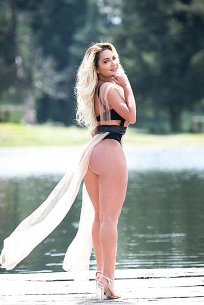 Valentina Collins
